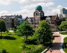 Tabara de grup limba Engleza - Loyola University - Chicago, SUA