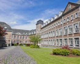 tabara lb engleza franceza sau olandeza college saint roch ferrires.jpg
