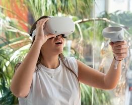 tabara limba engleza cu ajutorul realitatii virtuale.jpg