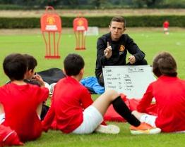 tabara primavara limba engleza fotbal manchester united bradfield college.jpg